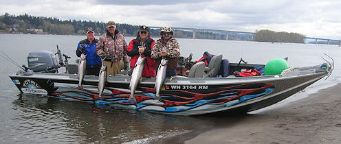 Columbia river fishing guides for Best river fishing boat